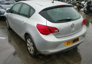 Vindem piese de caroserie Opel Astra j, 1.4benzina