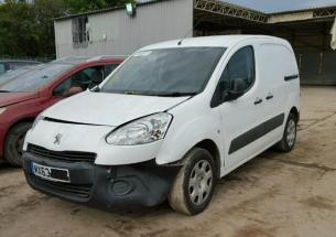 Vindem piese de motor Peugeot Partner 1.6hdi, 2013
