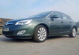 Vindem piese de interior Opel Astra J, 1.6 Benz A16XER din dezmembrari