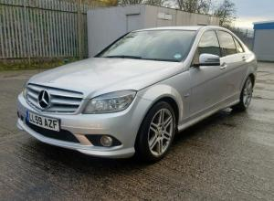 Vindem cute de viteze Mercedes C-Class W204 1.8 Benz