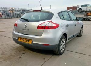 Piese de caroserie Renault Megane 3, 1.6 benz K4M din dezmembrari