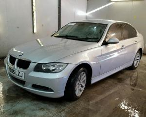 Vindem piese de caroserie BMW 320D, 2005