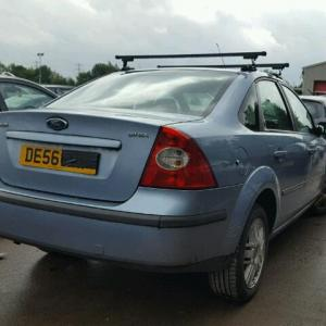 Dezmembrez Ford Focus 2 sedan 2006, 1.6Benzina