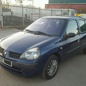 Dezmembrez Renault Clio 2, 1.6benzina