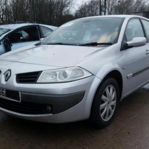 Dezmembrez Renault Megane 2, 1,6benzina