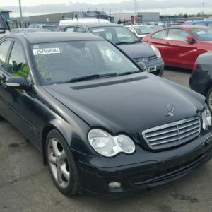 Dezmembrez Mercedes Clasa C (W203) 1.8b