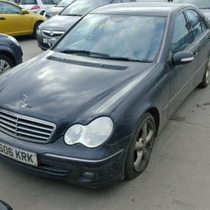 Dezmembrez Mercedes C-Class W203 2.2 CDI, OM611962
