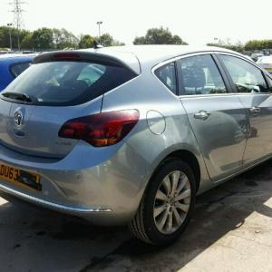 Dezmembrez Opel Astra J 2.0cdti A20DTH