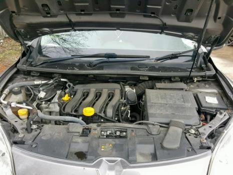 Piese de caroserie Renault Megane 3 combi, 1.6 benz K4M din dezmembrari